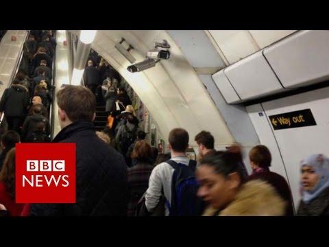 Nuevo sólo soporte tubo escalera mecánica ensayo – BBC News