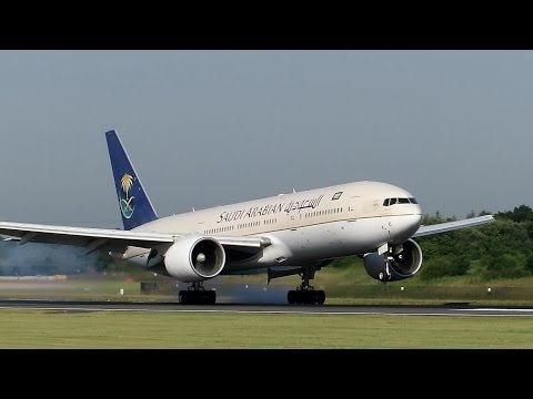 25 Landings in 8 Minutes: 747, 777, A330, 757, 767, A321, A320, 717, A319, 737 Manchester Airport