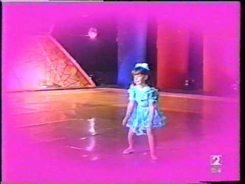 ESTUDIO ABIERTO - Diana la niña de 5 años que canta (y baila)
