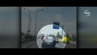 Mujer se lanzó desde vehículo en movimiento en plena autopista - CHV Noticias