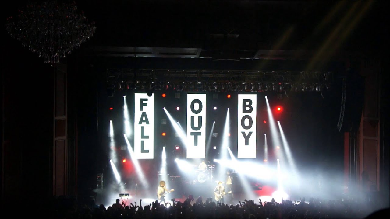 Fall Out Boy Live from Miami 2013 SAVE ROCK AND ROLL TOUR ...