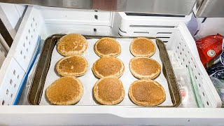 How to Freeze Pan¢akes & Reheat Them for Later