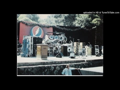 Grateful Dead - October 10, 1982 Frost Amphitheatre - Palo Alto, CA Stanford University