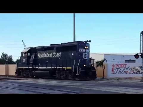 950 with GP40 431 at the Port of Palm Beach