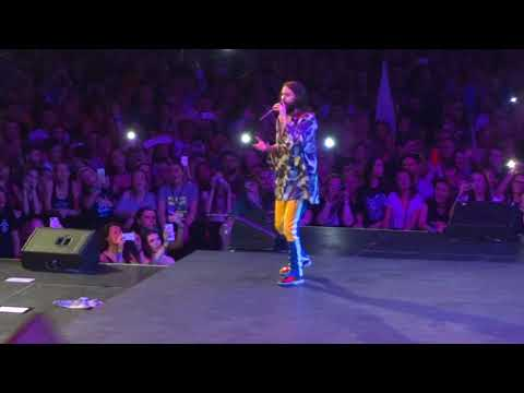 Thirty Seconds to Mars - Stay (Rihanna Cover) (Vienna, Austria 17 April 2018) HD