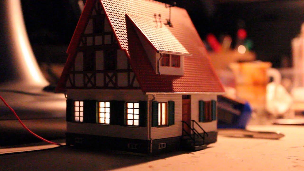 modellhaus mit wechselnden lichtern youtube. Black Bedroom Furniture Sets. Home Design Ideas