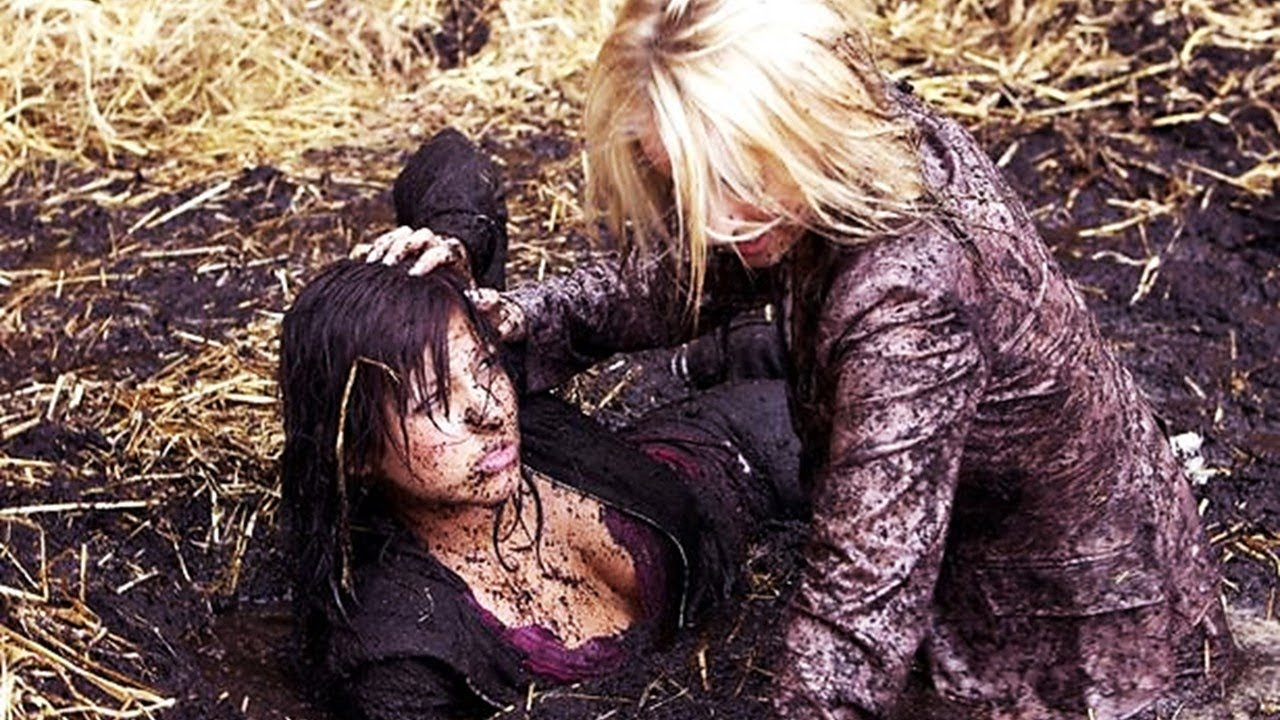 Download *Requested* Katie Vs. Jo - Mud Fight (31-08-06)    Emmerdale