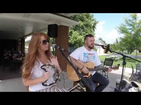 """Dean Heckel & Holly Jackson covering """"Ho Hey"""" by The Lumineers"""