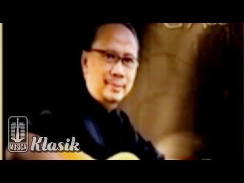 Ebiet G Ade - Orang Orang Terkucil (Karaoke Video)