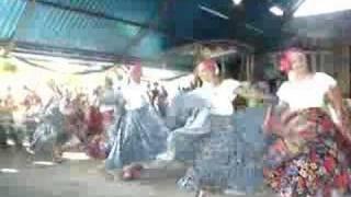 La Candelaria bailando una Parranda Venezolana