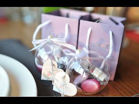 highly customized wedding favor by hongkong number one wedding product brand