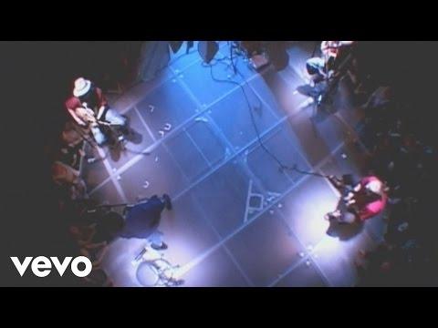 Tryo - Pour Un Flirt Avec La Crise (Live Au Cabaret Sauvage 2004)