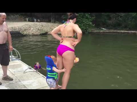 Смешное видео! Неудачные падения, подборка Приколы над людьми - Видео онлайн