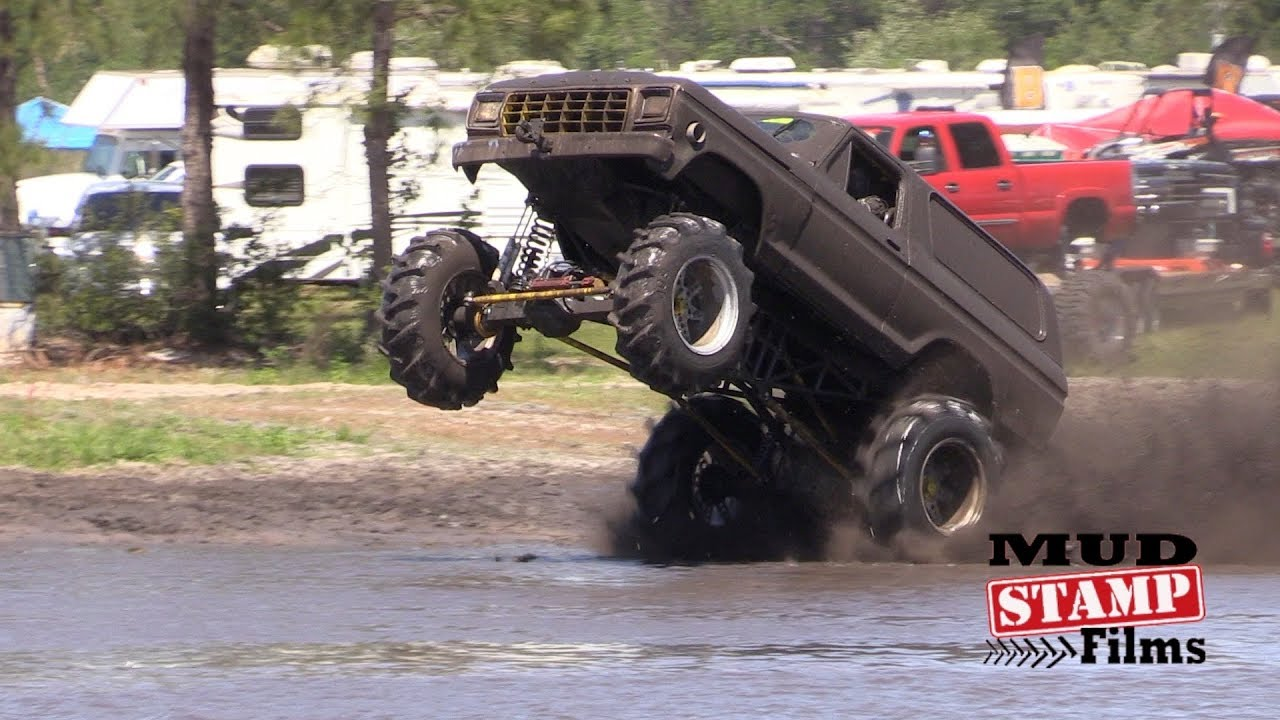 Mud Bogging in America