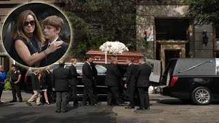 Heartbreaking Moment Joan Rivers casket into hearse for Funeral - daughter Melissa says goodbye