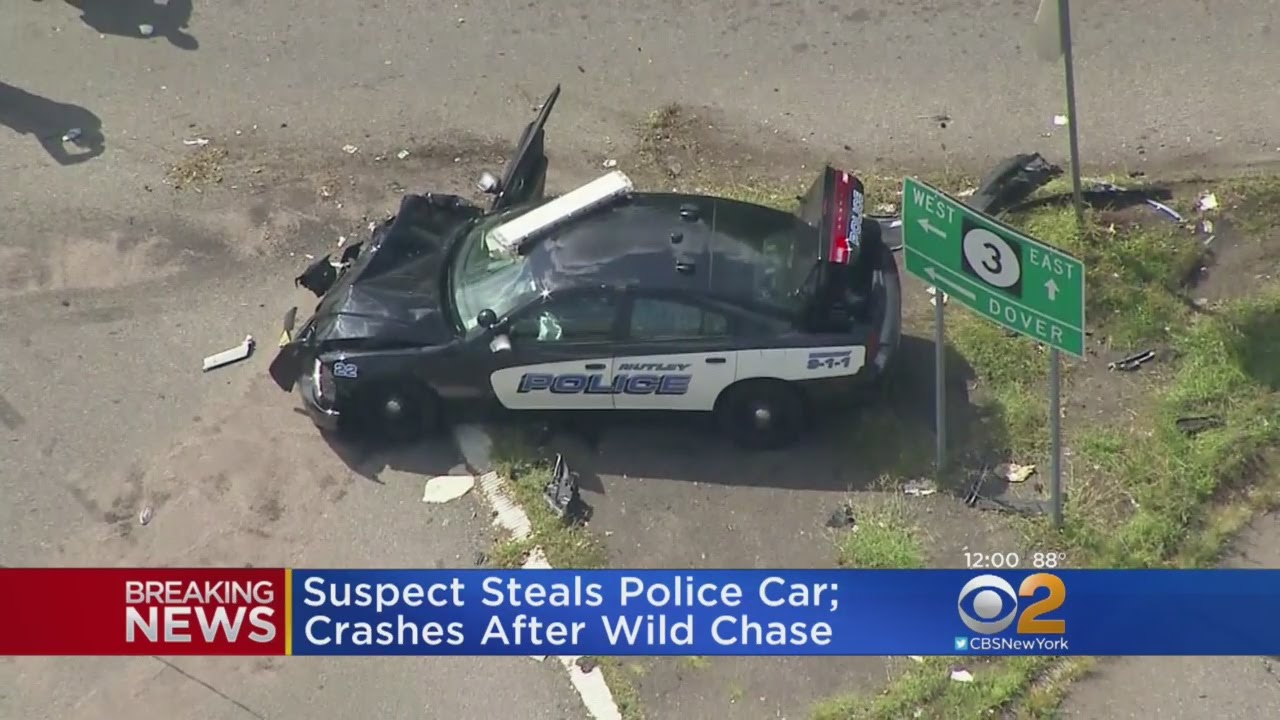 Wild Car Chase Ends In Crash - YouTube