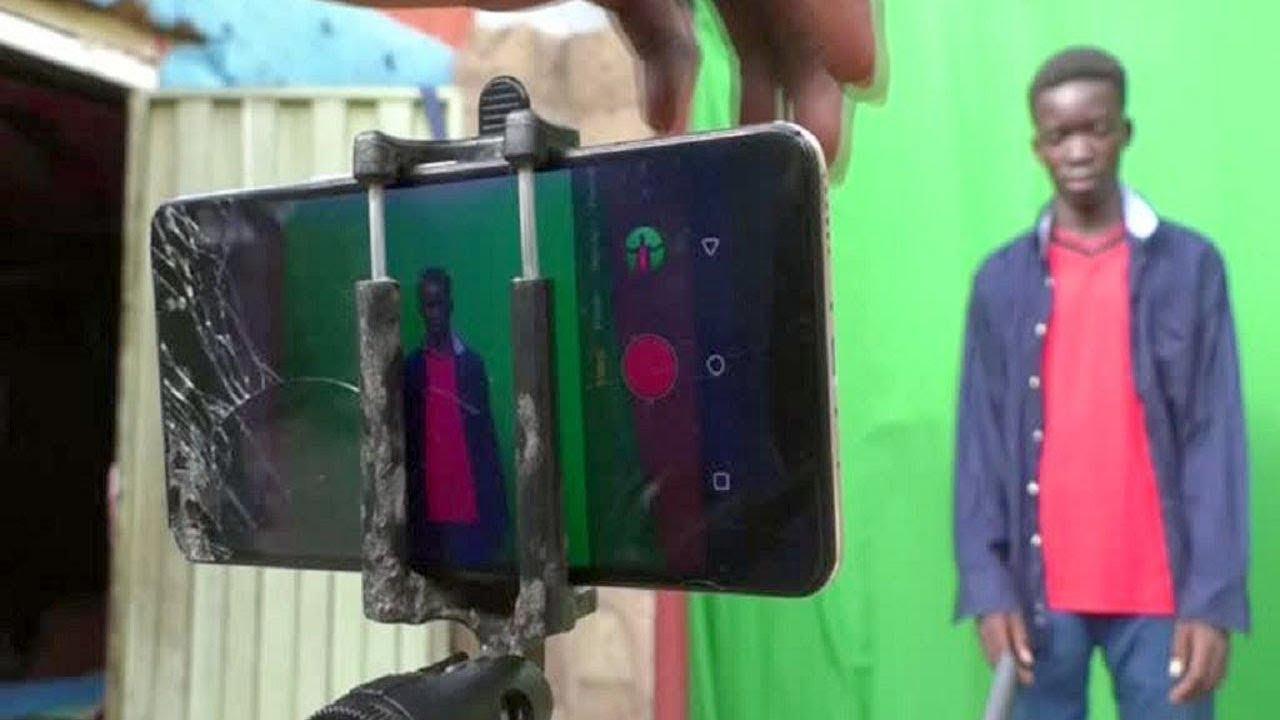 দেখুন ছেলেটা কিভাবে মোবাইল দিয়ে সিনেমা তৈরি করল | Nigerian Teens Make a Sci-fi Movie Using a Phone