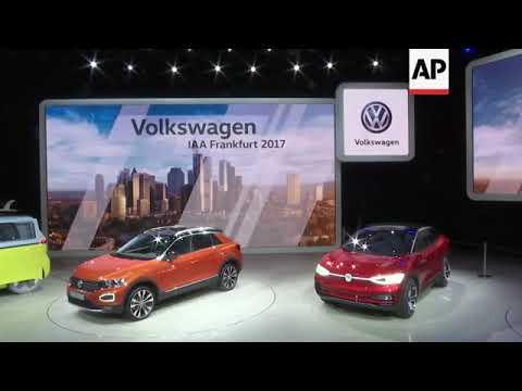 Merkel visits German car stands at Frankfurt motor show