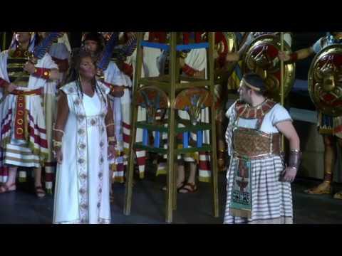 Kleidung für oper verona