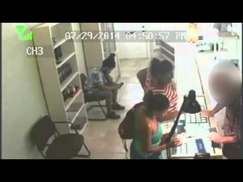 RAW: Jewelry thieves caught on camera
