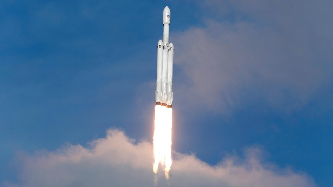 Falcon Heavy: Elon Musk's giant SpaceX rocket makes triumphant