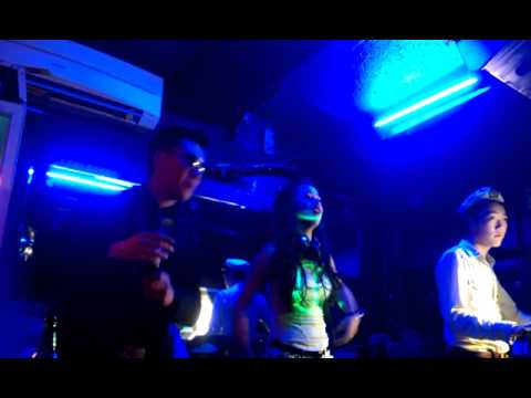 Su tro lai cua DJ Tit tai Temple Bar Hanoi