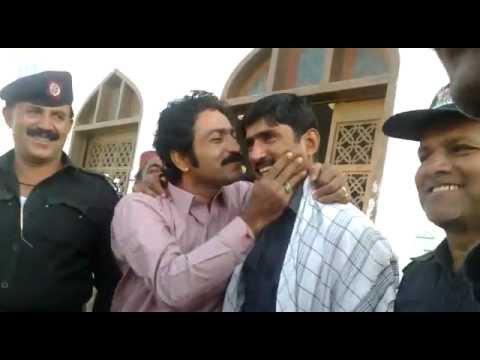 Ghulam  hussain  umrani  kiss  the  police.mp4