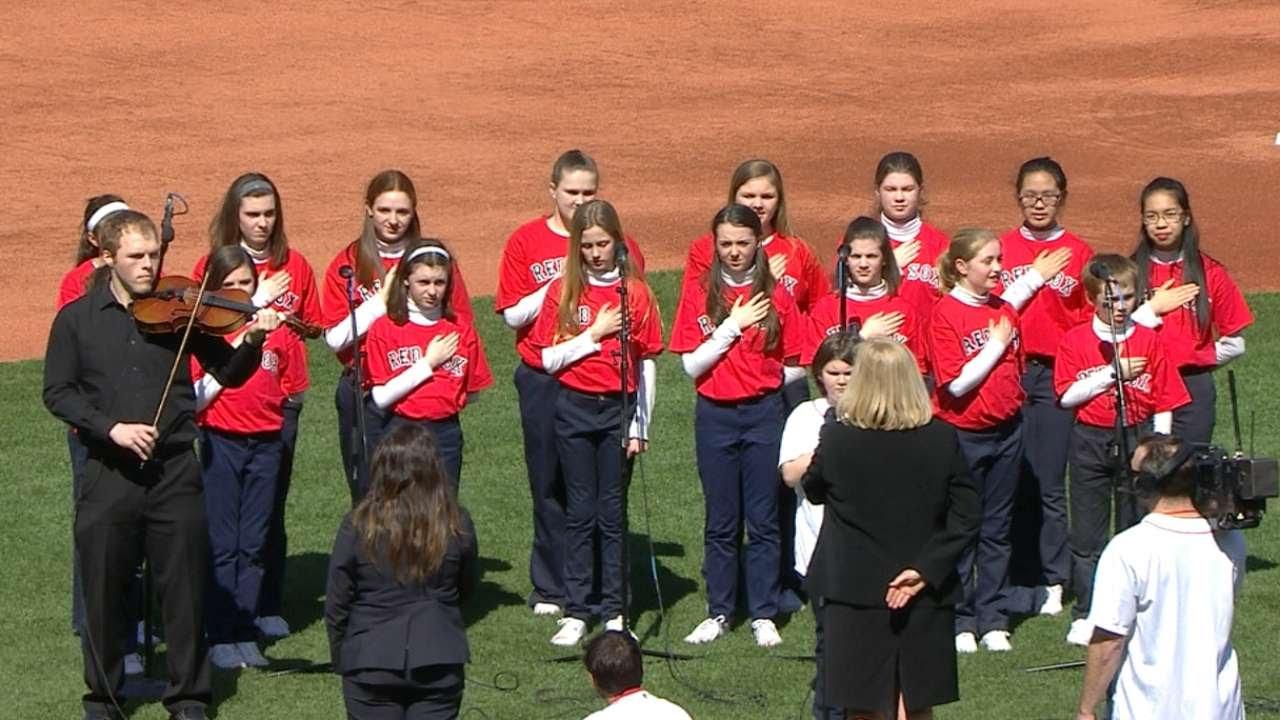 WSH@BOS: Children's choir sings national anthem - YouTube