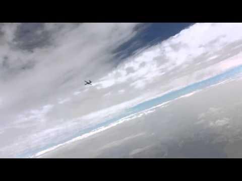 Rosyjski myśliwiec i amerykański dron