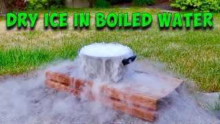 DRY ICE IN BOILED WATER - SCIENCE EXPERIMENT