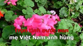 Me Viet Nam anh hung karaoke Quang Hung