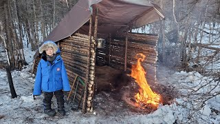 Bushcraft Survival Shelter - No Tent No Sleeping Bag Winter Camping