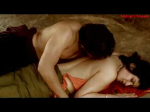Backless Raveena tandon and Nagarjuna make love Hot sex scene thumbnail