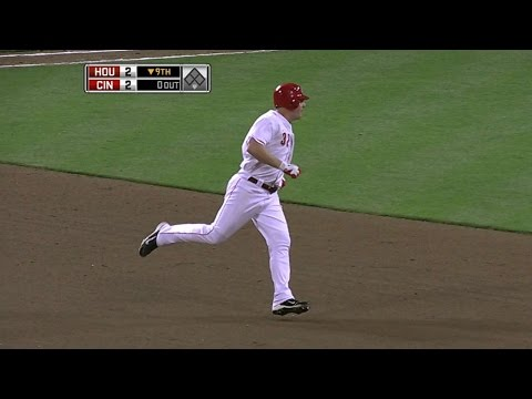 The Reds clinch NL Central on walk-off homer