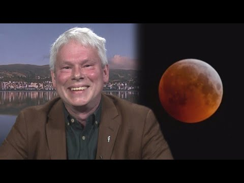 Tonight's super blood moon worth getting kids up for, astronomer says