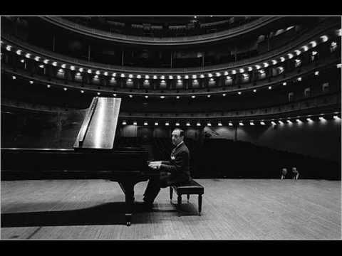 Vladimir Horowitz - Beethoven's Moonlight Sonata, First Movement Op 27 Adagio Sosenuto