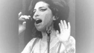 Amy Winehouse - I Saw Mommy Kissing Santa Claus