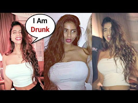 Shahrukh Khan Daughter Suhana Khan Drunk Pictures In Party Going Viral