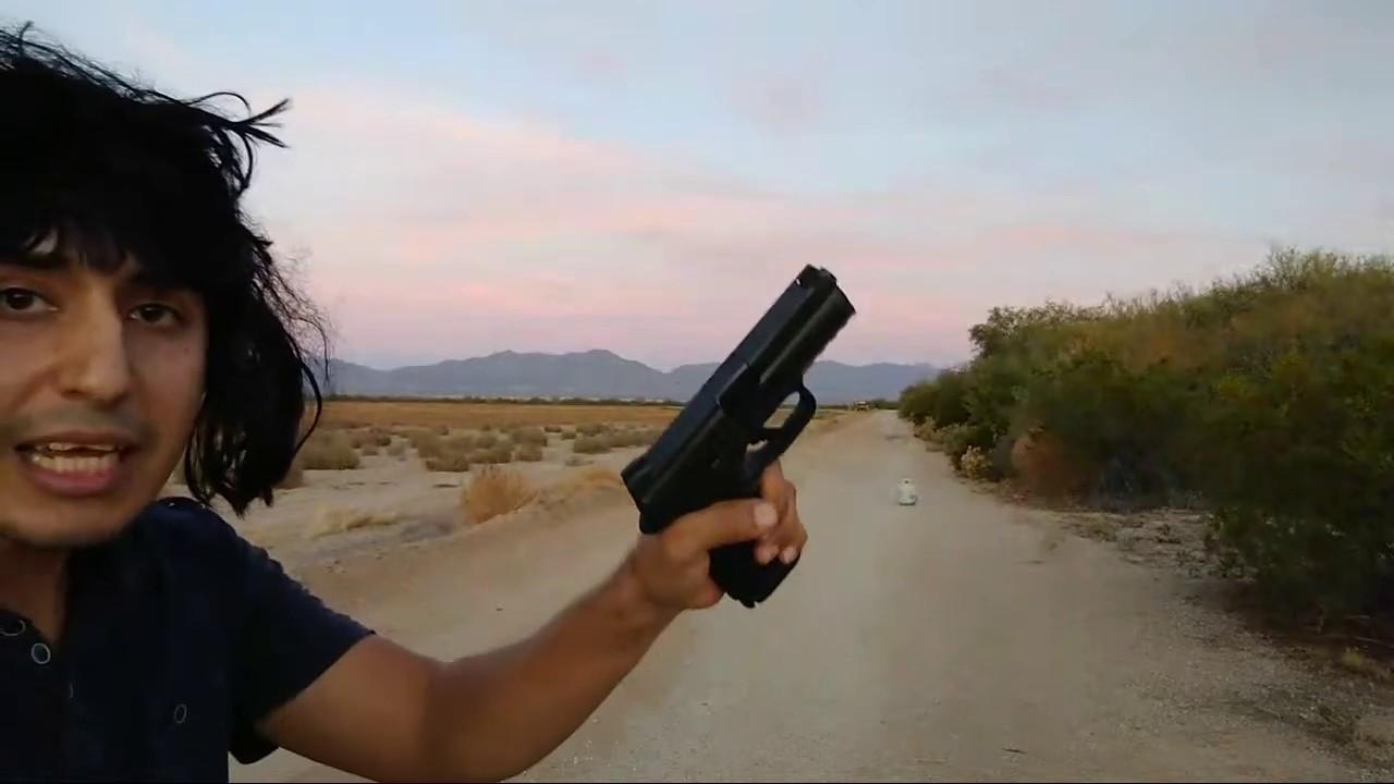 Las Pistolas De tachis disparando con peluca !!!