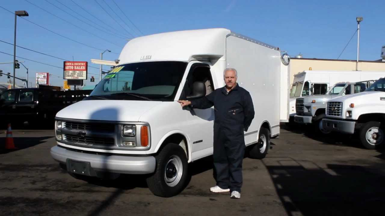 832958ac97 Town and Country Truck  5249  2001 Chevrolet 3500 One ton 10 ft. Cube Van