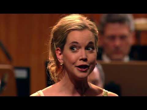Mahler 4th symphony last mvt : Mojca Erdmann, Bonn Beethoven  Orchestra (Stefan Blunier)