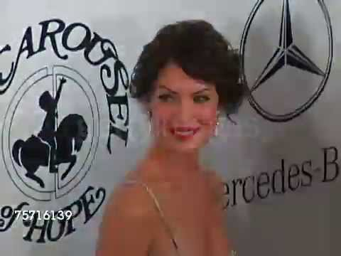 Lara Flynn Boyle 2004 Annual Carousel of Hope