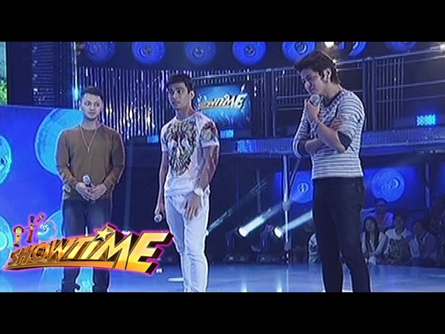It's Showtime: Pastillas Girl's admirers play a game