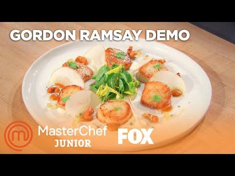 Gordon Demonstrates How To Cook Pan Seared Scallops | Season 7 Ep. 10 | MASTERCHEF JUNIOR