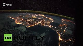 Espectacular paseo espacial nocturno desde las islas Canarias hasta el norte de Italia