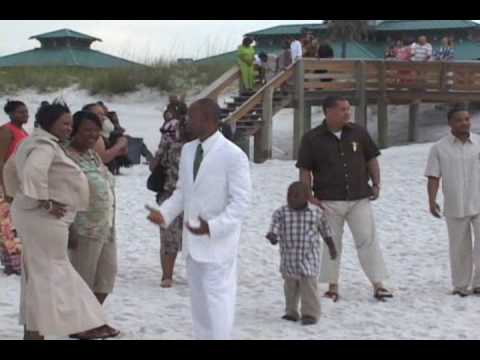 barefoot-weddings-on-the-beach-in-florida