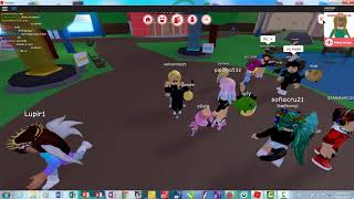 "no pos playing roblox :""v"