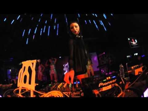 TOPLESS DJ KATE SHOO @ v2 club jakarta