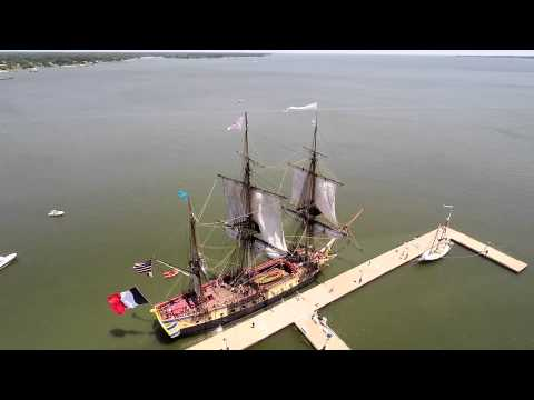 L'Hermione at the beach