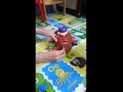 Runningman pirate pop up toy